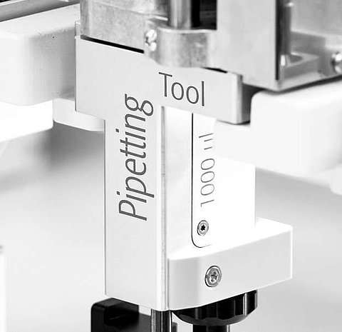 Close-Up of Pipetting tool for automated pipetting